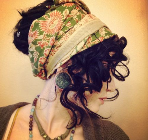 Cómo utilizar el pañuelo para crear un look de fiesta