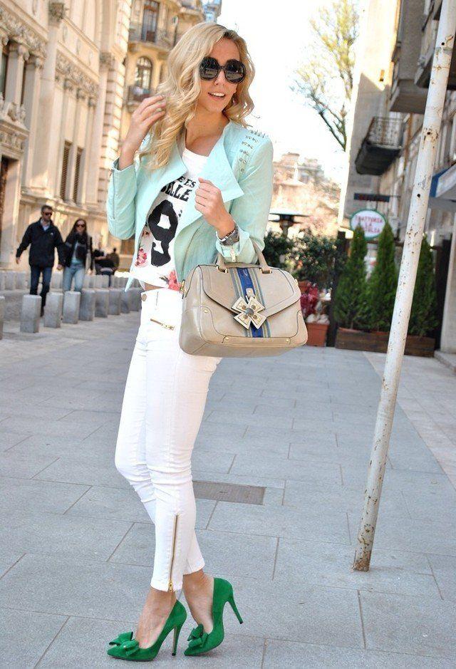 Jeans blancos traje de la idea con la chaqueta en colores pastel