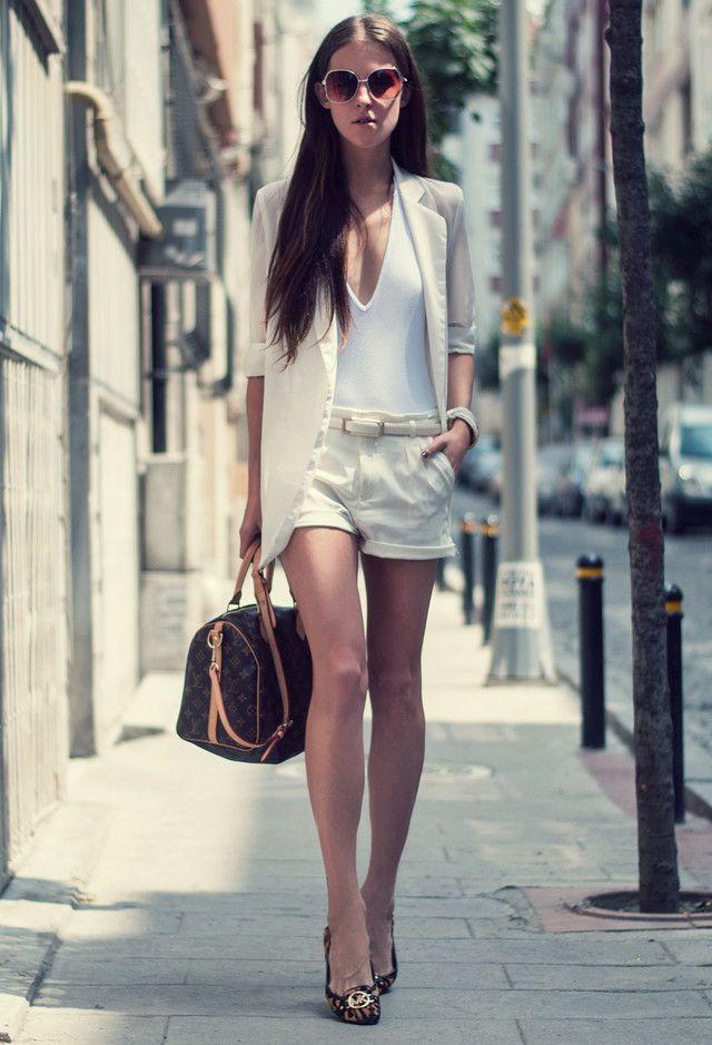 Todas las ideas de combinación blancos para la primavera elegante Apariencia: Pantalones cortos