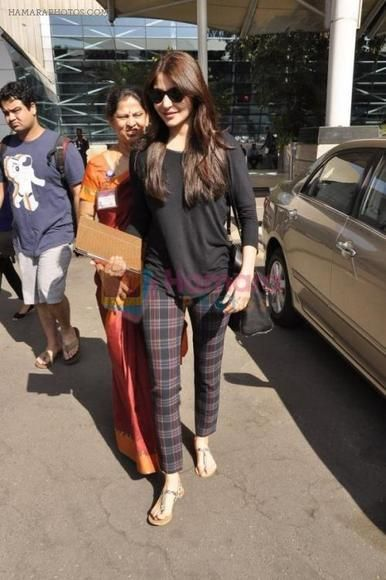 Anushka Sharma-casual