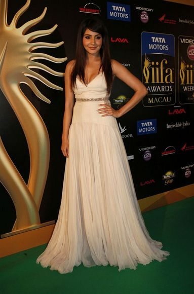 Anushka Sharma-bata