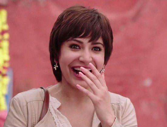 Anushka Sharma-maquillaje-en-PK-;