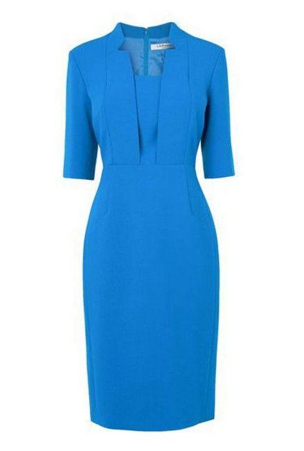 Cómo combinar vestido ajustado azul de kate middleton para un aspecto elegante
