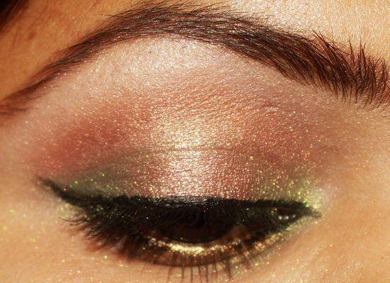 Cómo usar maquillaje en tonos de oro?
