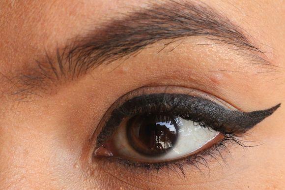 Tutorial delineador de ojos con alas con capucha -consejos y trucos