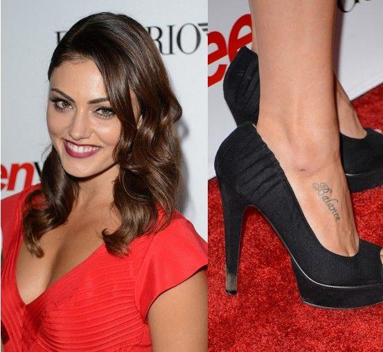 Tatuajes de phoebe tonkin - letras de tatuaje en el pie