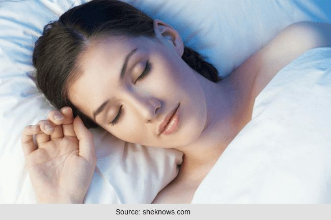 Dormir cómoda: beneficios para la salud de dormir sin ropa