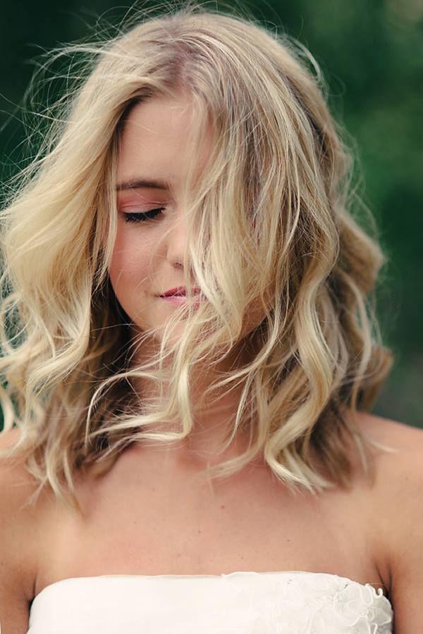 Las 10 mejores peinados ondulados con más glamour para el pelo largo hasta los hombros