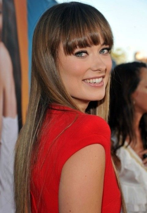 Olivia Wilde estilos de cabello: Corte de pelo con flequillo recto