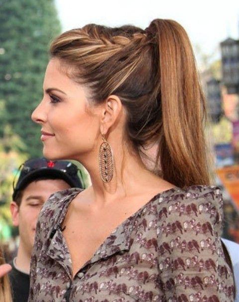 Maria Menounos peinados: Cola de caballo alta con la trenza