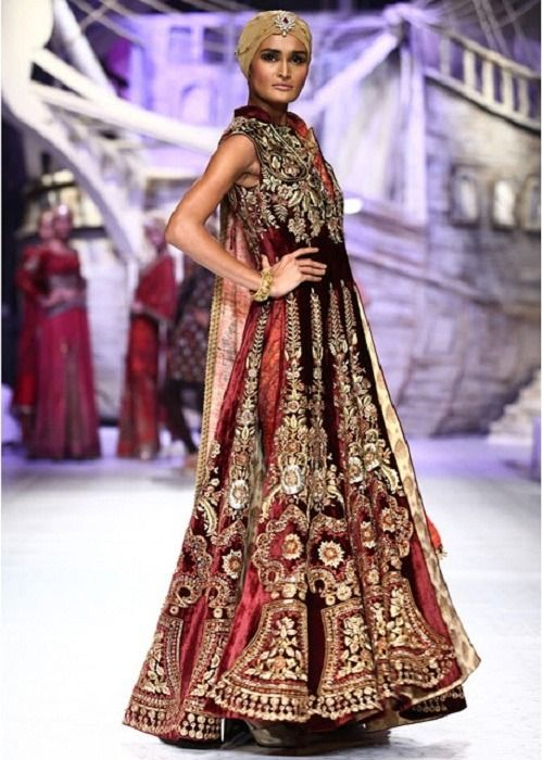 JJ Valaya en la India Semana de la Moda Nupcial 2013