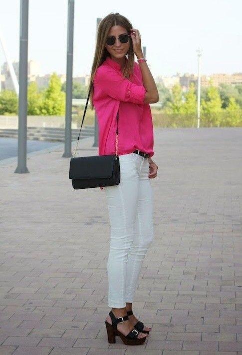 Femenina y la blusa blanca Idea Jeans Trajes