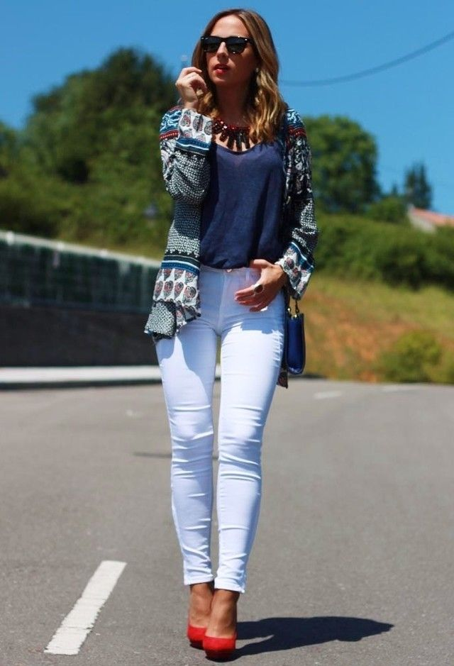 Idea traje fantástico con Jeans blancos
