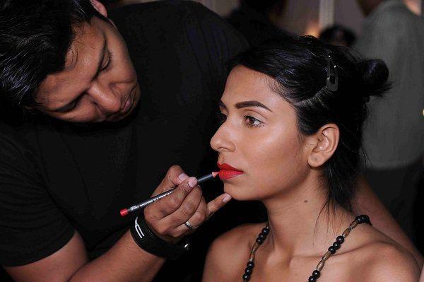 Artistas de maquillaje de belleza reglas juran
